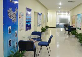 西安会计培训学校-干净整洁的教室走廊